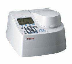 UV-VIS Spectrophotometer - Thermo Scientific - Genesys 10
