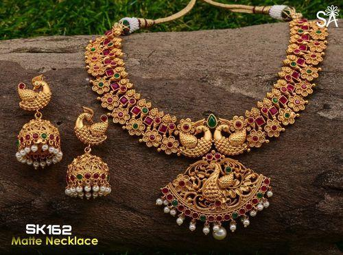 Gold Jewellery Set at Rs 1000 unit Gold Jewelry