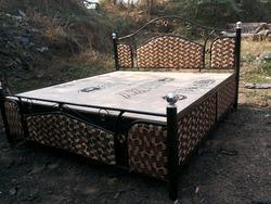 6 By 6 Diwan Bed