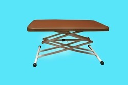 Plastic Adjustable Height Table, Size: 2x1.5