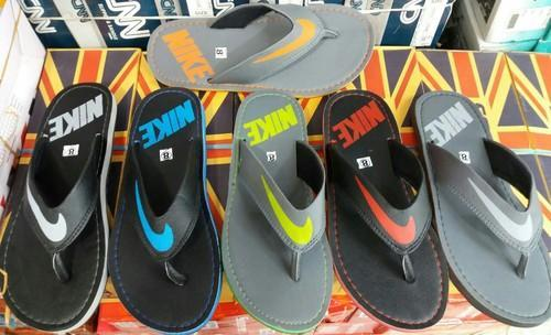 buy online 48bf9 2dd28 Nike Thong Slippers