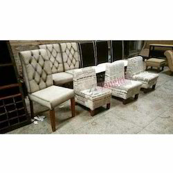Fabric Vintage Indian Upholstered Furniture Chair, Seating Capacity: 1 Seater