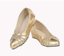 fc22631a0f04 Wholesaler of Fancy Sandals   Ladies Suits by Kingsberg