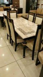 Dinnng Table