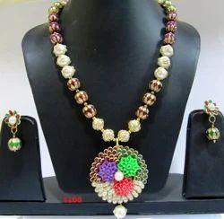 Pachi Work Flower Pendant Necklace Set
