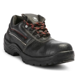 bata industrials new bora safety shoes