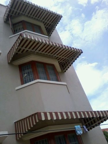 Balcony Aluminium Awning at Rs 333 square feet