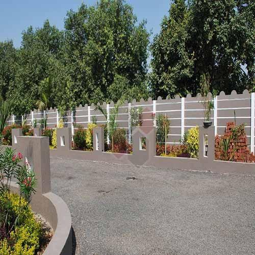 Garden compound wall fasci garden for Compound garden designs