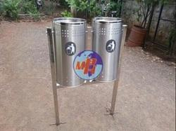 Roadside Stainless Steel Dustbin