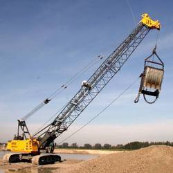 Crawler Cranes - 2200 Crawler Cranes Wholesale Trader from