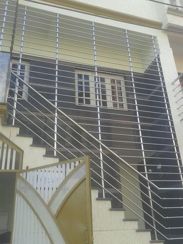 Balcony Window Grill Design: Stainless Steel Stair Safety Grill, Rs 550 /square Feet