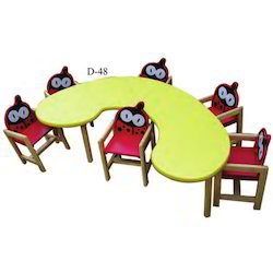 Bean Shape Table With Six Tango Chair