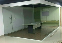 10-50 Square Feet Clear Toughened Glass, Shape: Flat