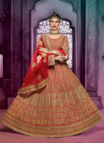 88ed7a0ad1 Royal Bridal Lehenga at Rs 7399 /piece | Bridal Lehenga Choli ...