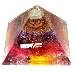 Orgone Pyramid for Mix and Green Crystal