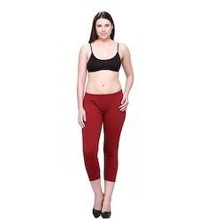 Ladies Maroon Capri