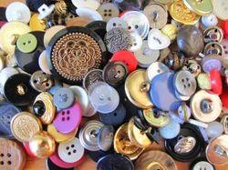 Dynamic International Garment Buttons