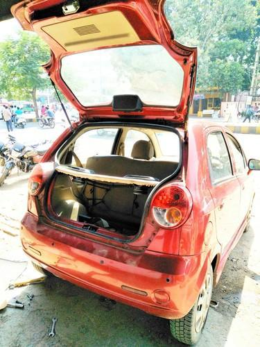 chevrolet spark cng kit installation in 100ft road, anand, misra