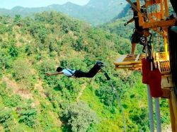 Bungee Jumping Tour Services