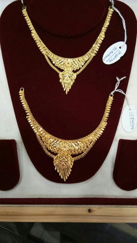 32be0ff238a Karekar Jewellers Yellow Gold 22 Carat Gold Necklace, Rs 2780 /gram ...