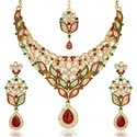 Jewelmaze Female Kundan Necklace Set With Maang Tikka