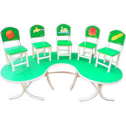 Halfmoon Table With 6 Printed Back Chairs Parrot Green Model