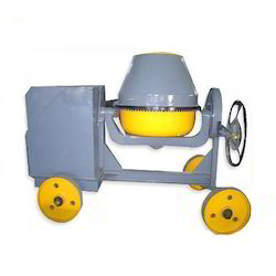 Global Diesel Engine 5/3 CFT Cement Mixer, For Construction, Drum Capacity: 750 L