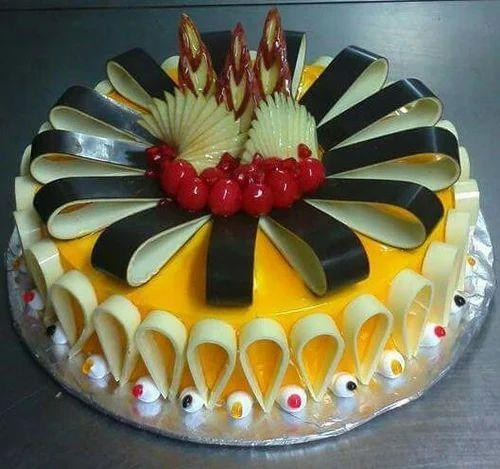 Birthday Cake At Rs 699 Pound