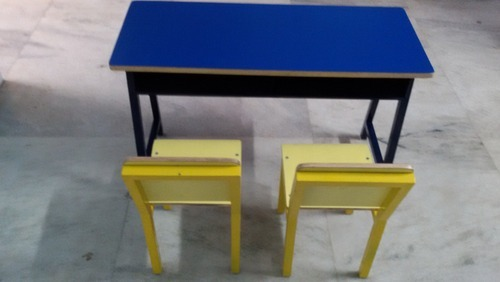Ms Desk And Chairs With Top Of Rubber Wood