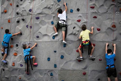 edge climbing wall size 8ft x 16ft rs 1500 psqft adventure rocks id 10097148491. Black Bedroom Furniture Sets. Home Design Ideas