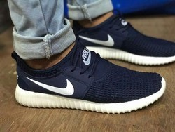 Black Canvas Nike London Shoe, Size: 41