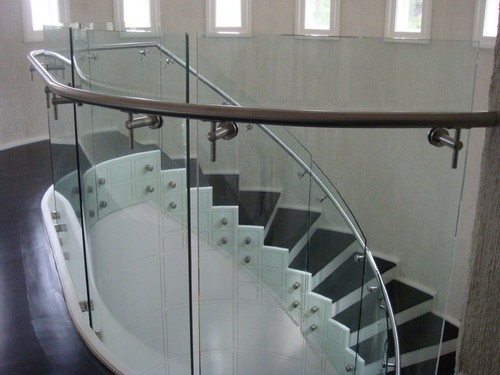 Curved Glass Stair Railing
