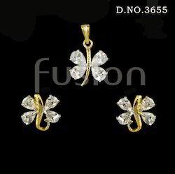 White American Diamond Pendant Set