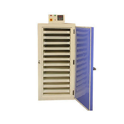Hot Air Tray Oven, Capacity: 100-500 Kg, rpm 272
