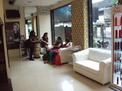 Best Salon Interior Designing Beauty Parlour Interior Work