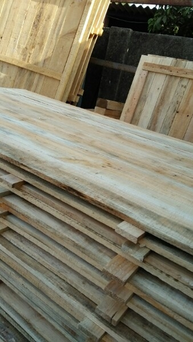 Large Wooden Pallets & Small Wooden Pallets Manufacturer