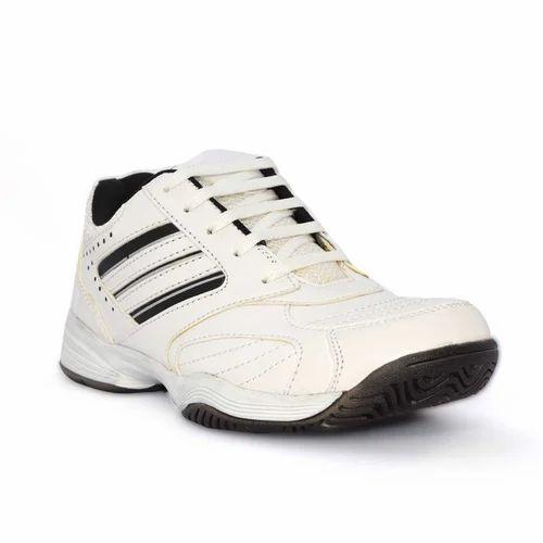 c7d00de5250 Men Sports Shoes at Rs 200  pair