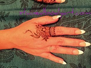 Henna Tattoo | Wonder Tattoos | Manufacturer in Andheri, Mumbai | ID ...