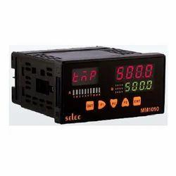 Schneider 3 Phase Programmable Logic Controller, 24 V DC, 14 Digits