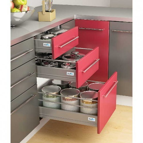 Genial Modular Kitchen Baskets
