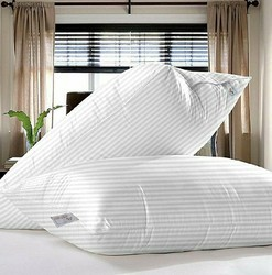 King Home Furnishing Pillows
