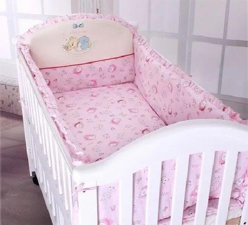 Genial Pink Baby Cot Set