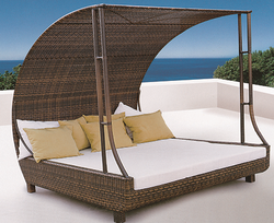 Cobra Style Wicker Day Bed