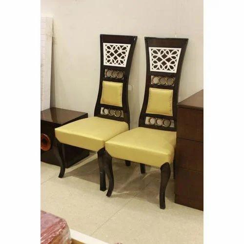 Wooden Bedroom Chair, बेडरूम की कुर्सी, बेडरूम