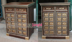 Rectangular Brown Wooden Brass Fitted Folding Display Counter for Restaurant
