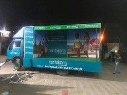 Advertising Mobile Van Adverting Service, in Local Area