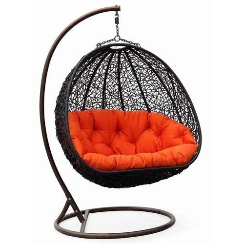 https://4.imimg.com/data4/OM/MH/MY-16229411/swing-chair-500x500.jpg