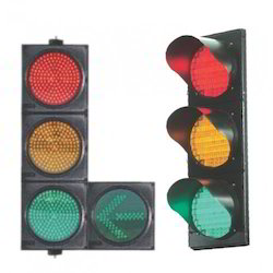 In Order To Keep Pace With The Never Ending Demands Of Customers, We Are  Involved Into Offering Wide Range Of Traffic Signal. Features:   Accurate  Dimension