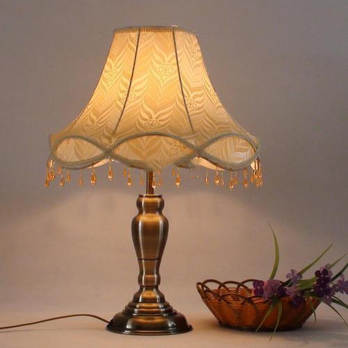 Merveilleux Antique Table Lamps