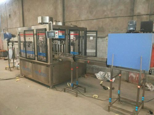 Automatic 500-1000 Mineral Water PET Bottling Machine, Labelling Machine, ISI